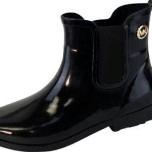 Michael Kors - Shiny Black low-rise Rain boots
